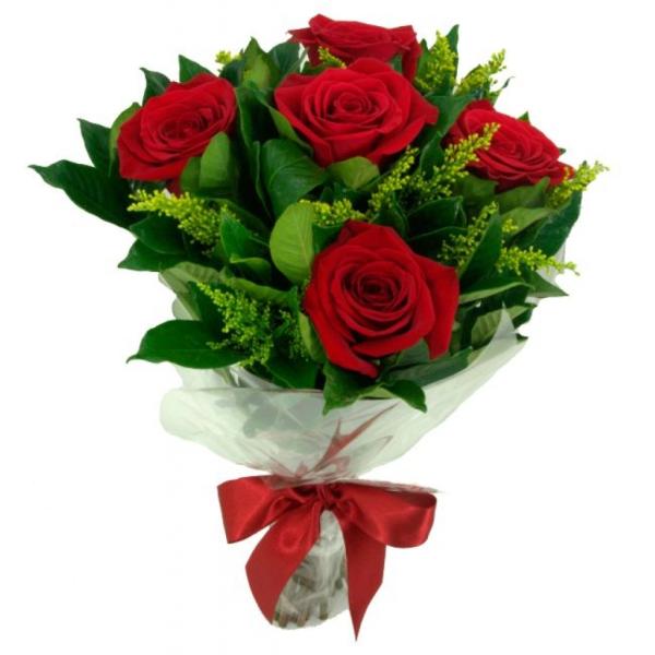 Buquê com 5 rosas importadas e folhagens