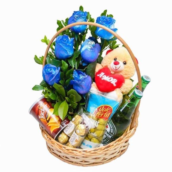 Cesta completa com rosas azuis