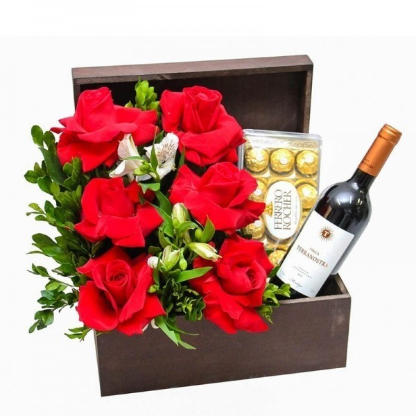 Cesta eu te amo! 6 Rosas importadas, Vinho e Ferrero Rocher